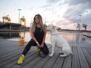 Aurora och hunden Namu