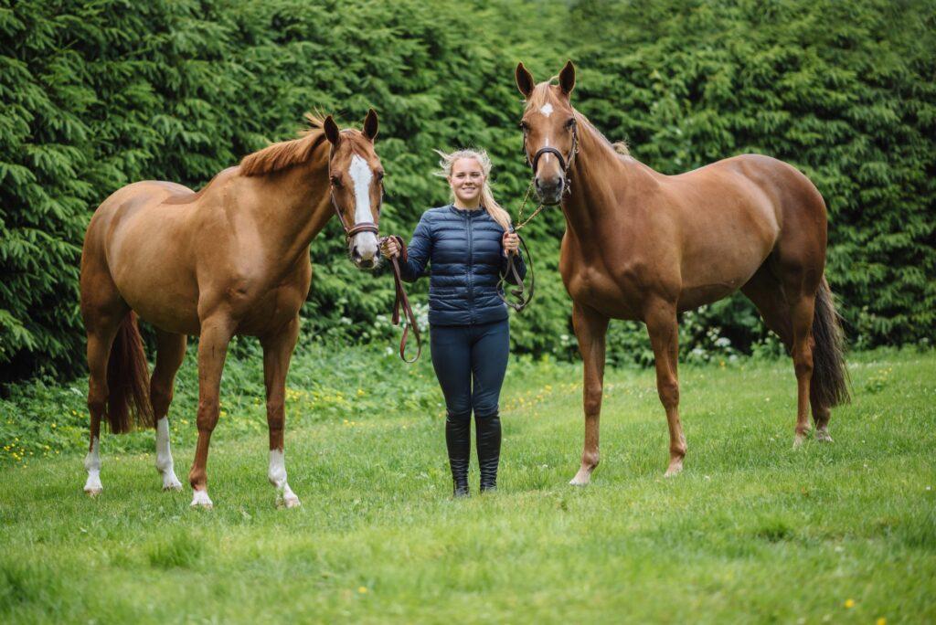 Hoppryttaren Janina Kvarnström väljer Nutrolin Horse™-produkterna till sina hästar