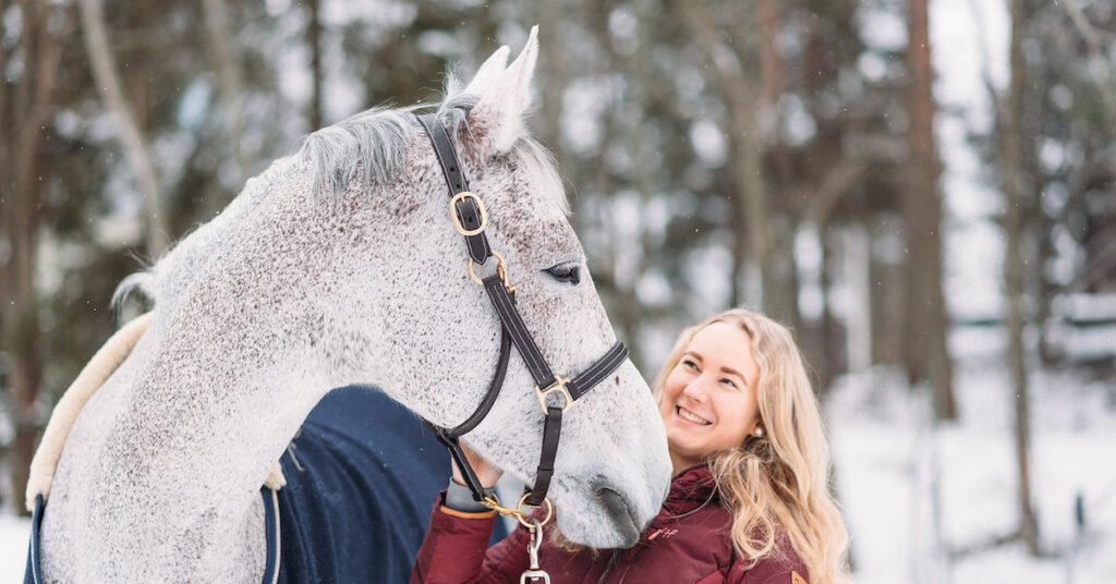 Har din häst problem med huden eller pälsen under vintern?