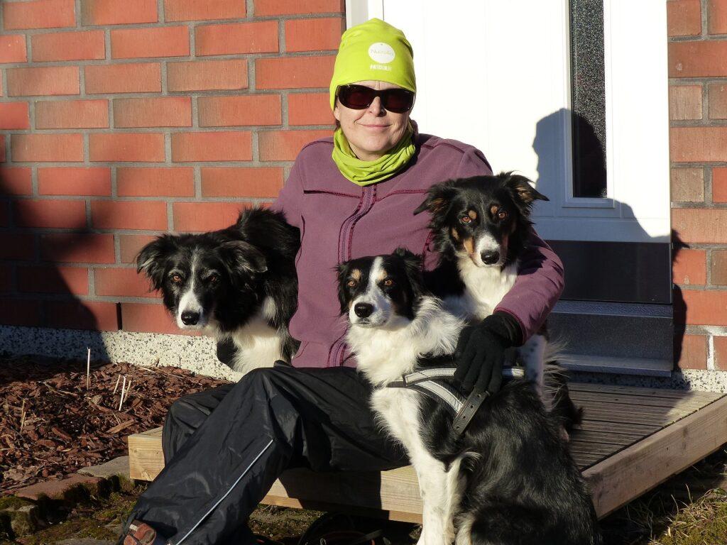 Den finska lydnadsstjärnan Oili Huotari ger Nutrolin®-kosttillskott till sina hundar